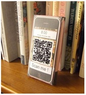QR code et iPhone en carton pour Hatim, Pichu71 on Flickr